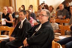 Pfarrer Gernot Mischitz und Bischof Michael Chalupka in der Lukaskirche Leonding