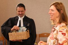 Pfarrer Gernot Mischitz und Kuratorin Gerlinde Altreiter
